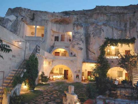 Один из самых необычных отелей в Турции Cappadocia Cave Hotel