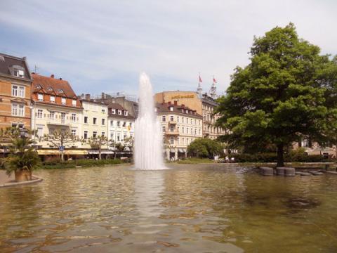 Вид на одну из центральных улиц курорта Баден-Баден