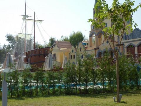 Водный парк в отеле Holiday Village на острове Родос
