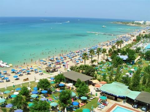 Кипр панорама на отель и пляж