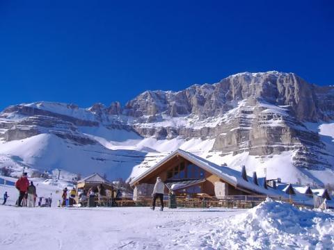 Мадонна ди Кампильо порадует вас не только большим количеством снега, но и красотой здешних гор