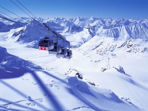 Лучшие горнолыжные курорты Австрии – это рай для любителей скоростных спусков.
