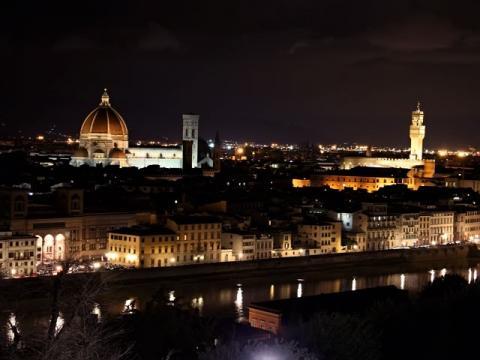 Ночные экскурсии, во время тура во Флоренцию, весьма популярны