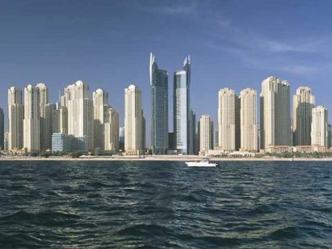 Символ победы человека над природой ОАЭ, еще и отличное место для отдыха на море