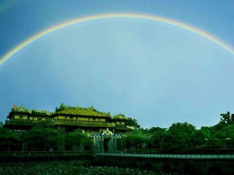 Во время сезона дождей во Вьетнаме часто можно видеть радугу