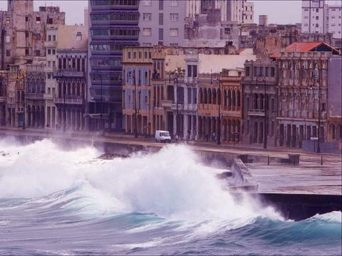 Не сезон на Кубе - Шторм