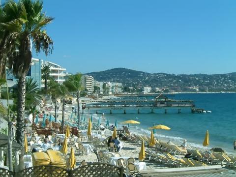 Изысканный курорт на берегу Средиземного моря Жуан – ле – Пен
