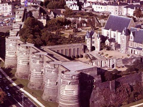 У обладателей путевок во Францию есть возможность посмотреть множество замков