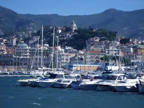 Знаменитый Сан-Ремо, одно из известнейших мест для роскошного отдыха в Италии