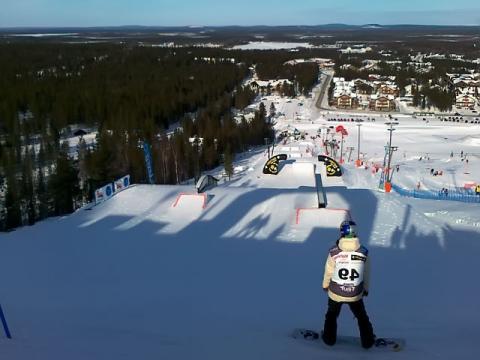 На одном из лучших курортов Финляндии – Леви есть отличные трассы для сноуборда