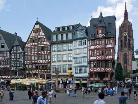 Во Франкфурте на Майне удивительно переплелись история и современность