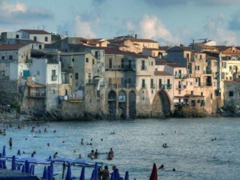 Дома на Сицилии очень гармонично вписываются в пейзаж