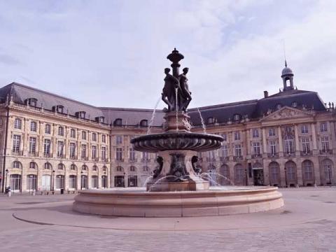 Французский город Бордо славен не только вином но и прекрасной архитектурой, которую вы увидите во время тура