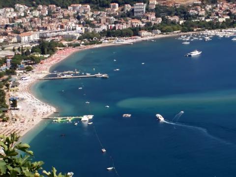 Черногория обладает очень хорошими курортами и рада гостям.