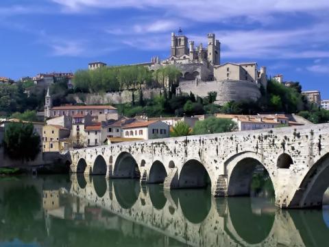 Во время поездки обязательно стоит посмотреть исторические красоты.