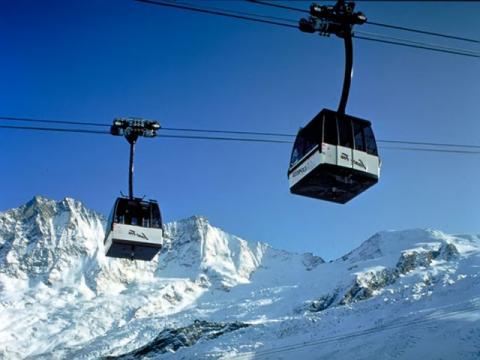Знаменитая канатная дорога горнолыжного курорта Саас-Фэ