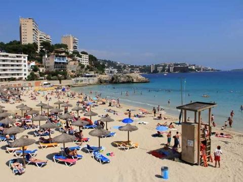 Все пляжи в Испании коммунальные и не принадлежат отелям