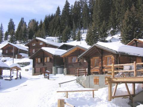 На Швейцарском курорт Вербье мало снега не бывает