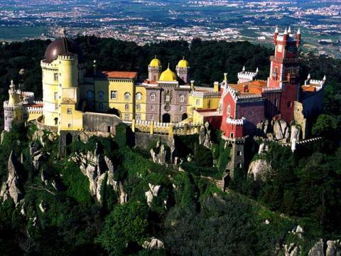 В Португалии на много больше, чем три красивых замка, и еще много других красивых мест.