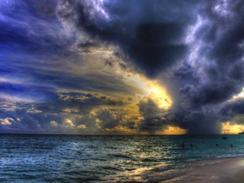 Дешевые туры в дождливый сезон на Мальдивские острова имеют свои достоинства