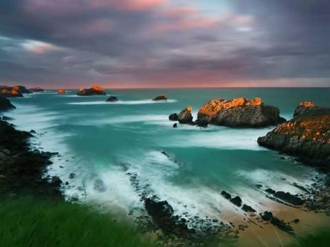 Береговая линия Испании очень длинная и морское побережье имеет очень разный ланшафт