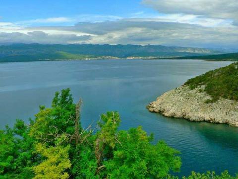 Море и морское побережье в Хорватии очень красивое