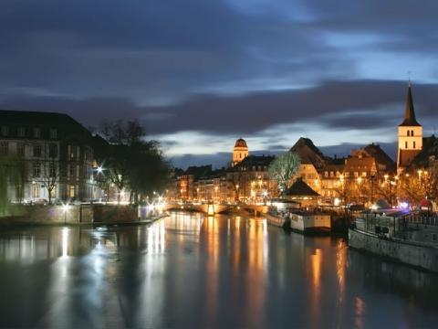 Во время тура в Страсбург, непременно посмотрите этот город ночью