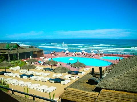Вот так выглядит отлично подходящий для пляжного тура в Марокко отель на берегу моря