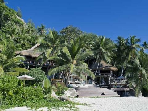 Притаившийся в зелени отель на острове Маэ