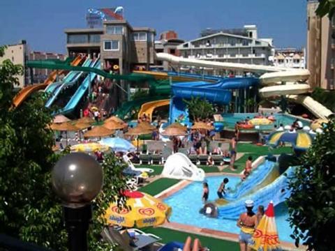 Отель с аквапарком в Кемере, отлично подойдет для отдыха с детьми.