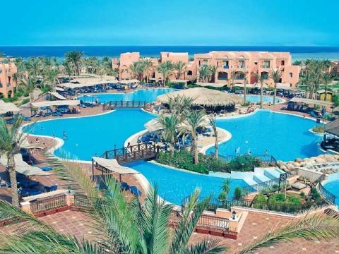 В Шарм Эль Шейхе множество отелей, в которых есть бассейны с подогревом