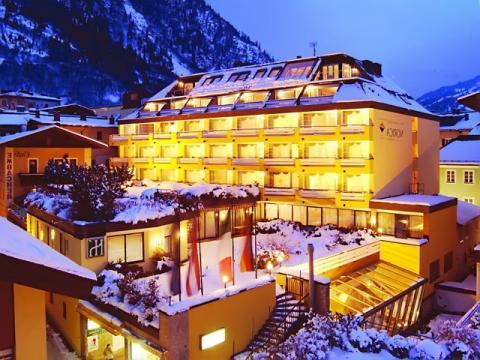 Один из отелей на австрийском горнолыжном курорте Бад Хофгаштайн