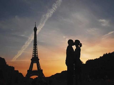 Париж – самое романтичное место на земле, куда можно поехать по путевке