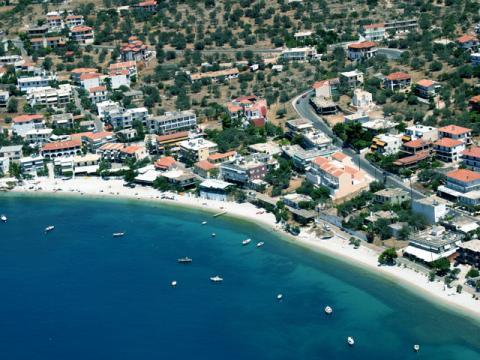 Пляж Греческого полуострова Пелопоннес ждут Вас
