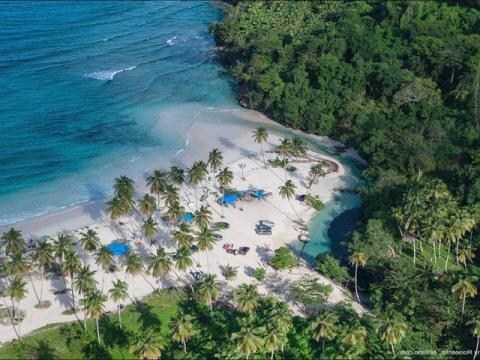 Побережье Доминиканы с высоты птичьего полета