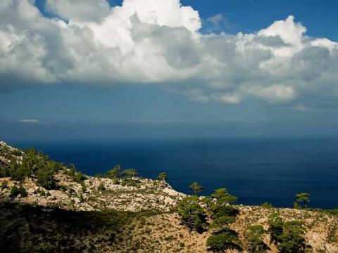 Ранней осенью в Греции очень спокойно и красиво.