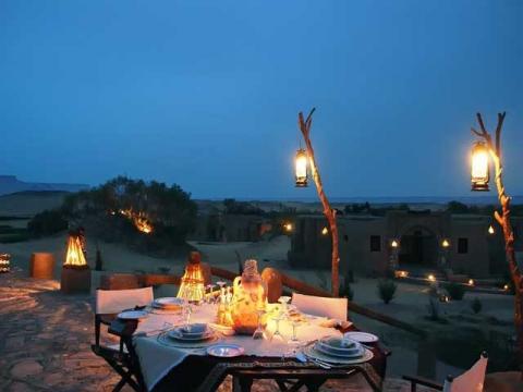 В Египте знают толк в горячих – огненных романтических застольях для влюбленных