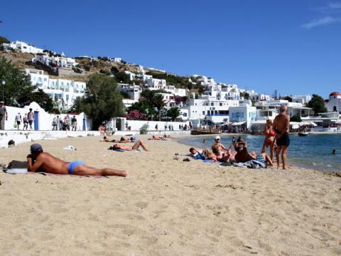Хотя турпутевки в Грецию популярны – пляжи здесь не переполнены