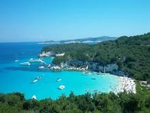 Греция – это место где красота моря дополняется красотой неба образую бесконечный лазурный океан